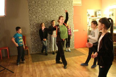 Детская театральная студия в детскую студию принимаем детей от 7 до 12 лет